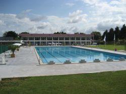 Association rochefort accueil piscine for Piscine desjoyaux rochefort